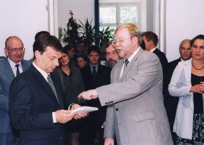 Mart Laar és Orbán Viktor a Toompeán. Kép: az Észt Külügyminisztérium Levéltára