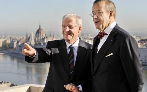 Toomas Hendrik Ilves és Sólyom László köztársasági elnökök találkozója a Sándor-palotában, Budapesten. Kép: Getty Images