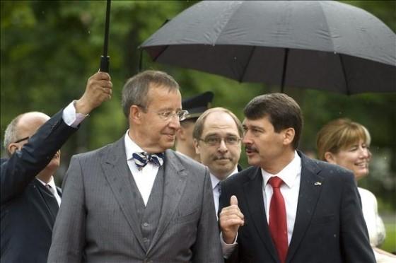 Áder János és Toomas Hendrik Ilves köztársasági elnökök. Kép: az Észt Külügyminisztérium Levéltára